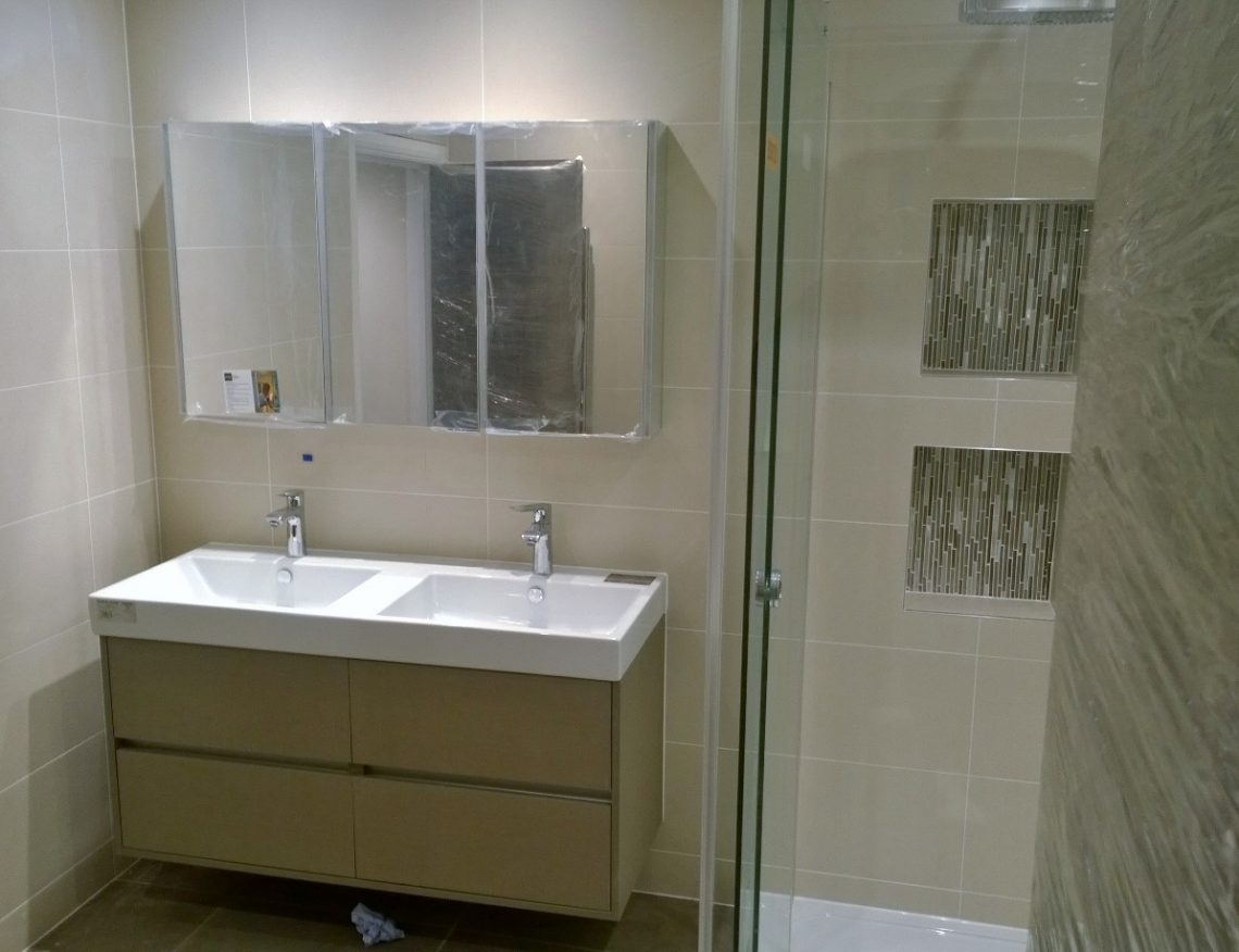 Bathroom fitting north london solutionsfinchleybarnet for The bathroom fitting company